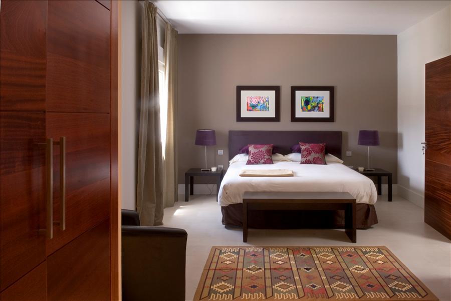 LVC238101 Double bedroom