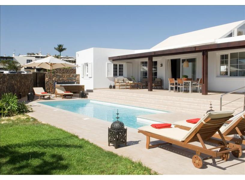 Villa LVC238114 3 bedroom villa Puerto del Carmen