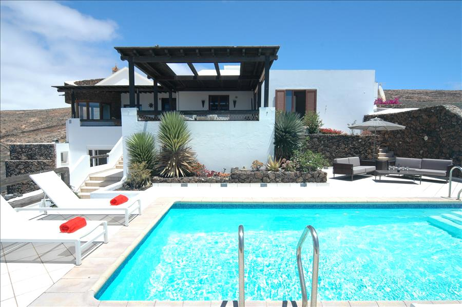 LVC239621 Great villa for for groups of friends