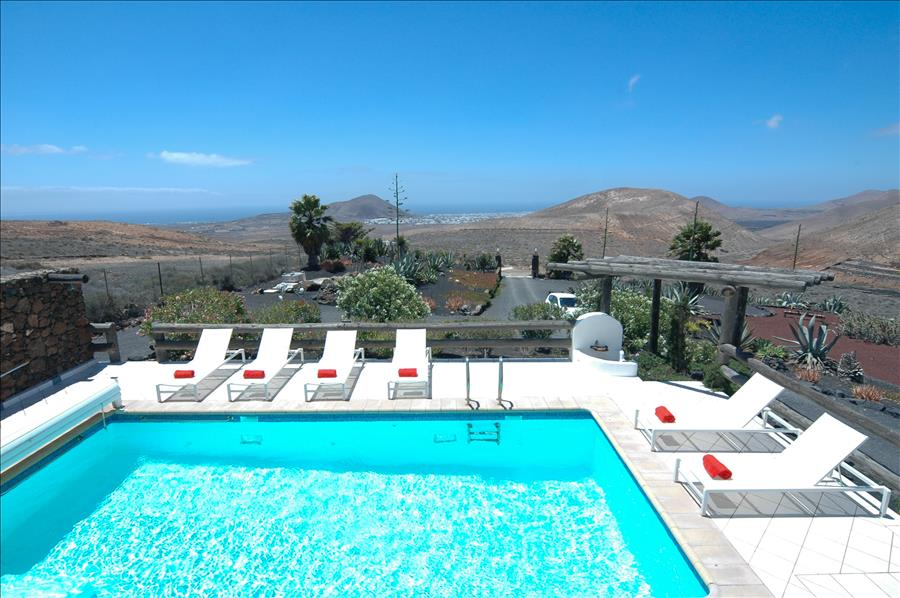 LVC239621 Stunny 5 bed villa in Nazaret