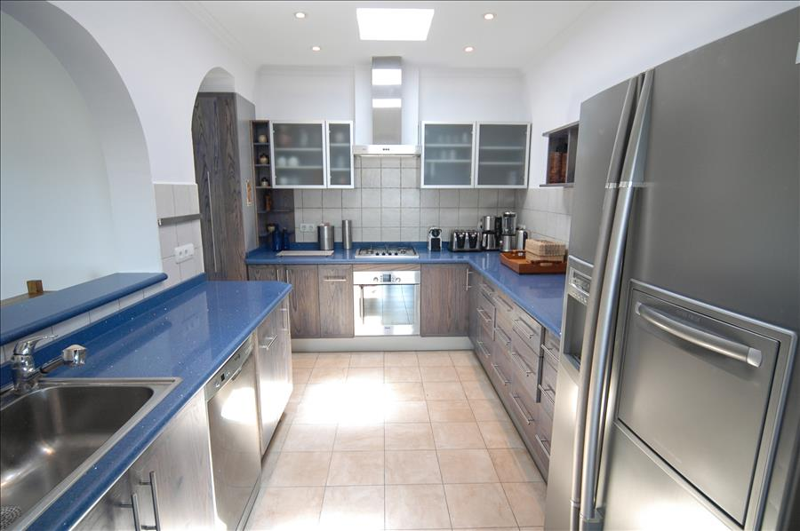 LVC239621 Well equipped kitchen