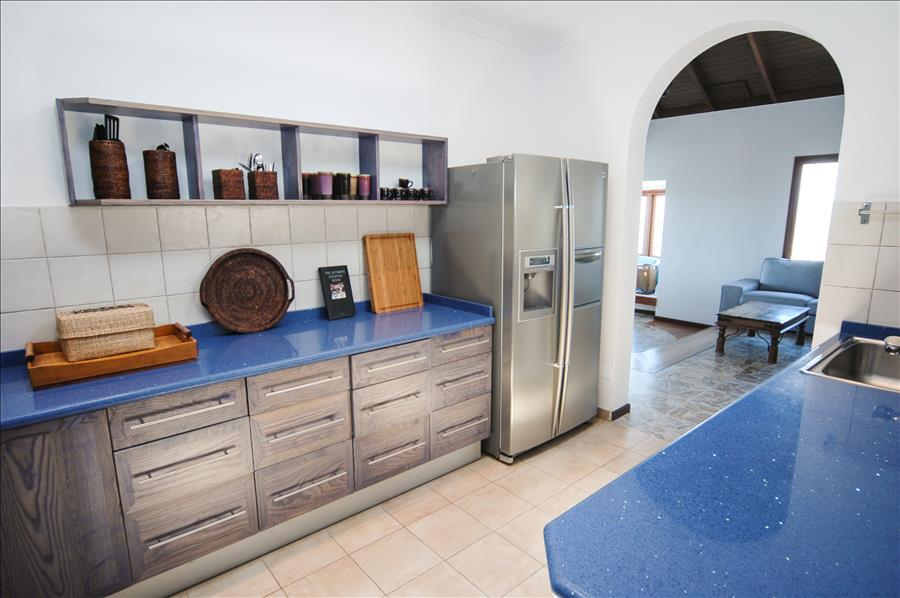 LVC239621 Kitchen with all mod cons