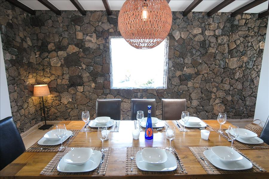 LVC239621 Dining room
