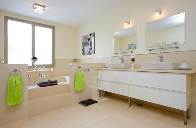 Villa LVC240861 bathroom