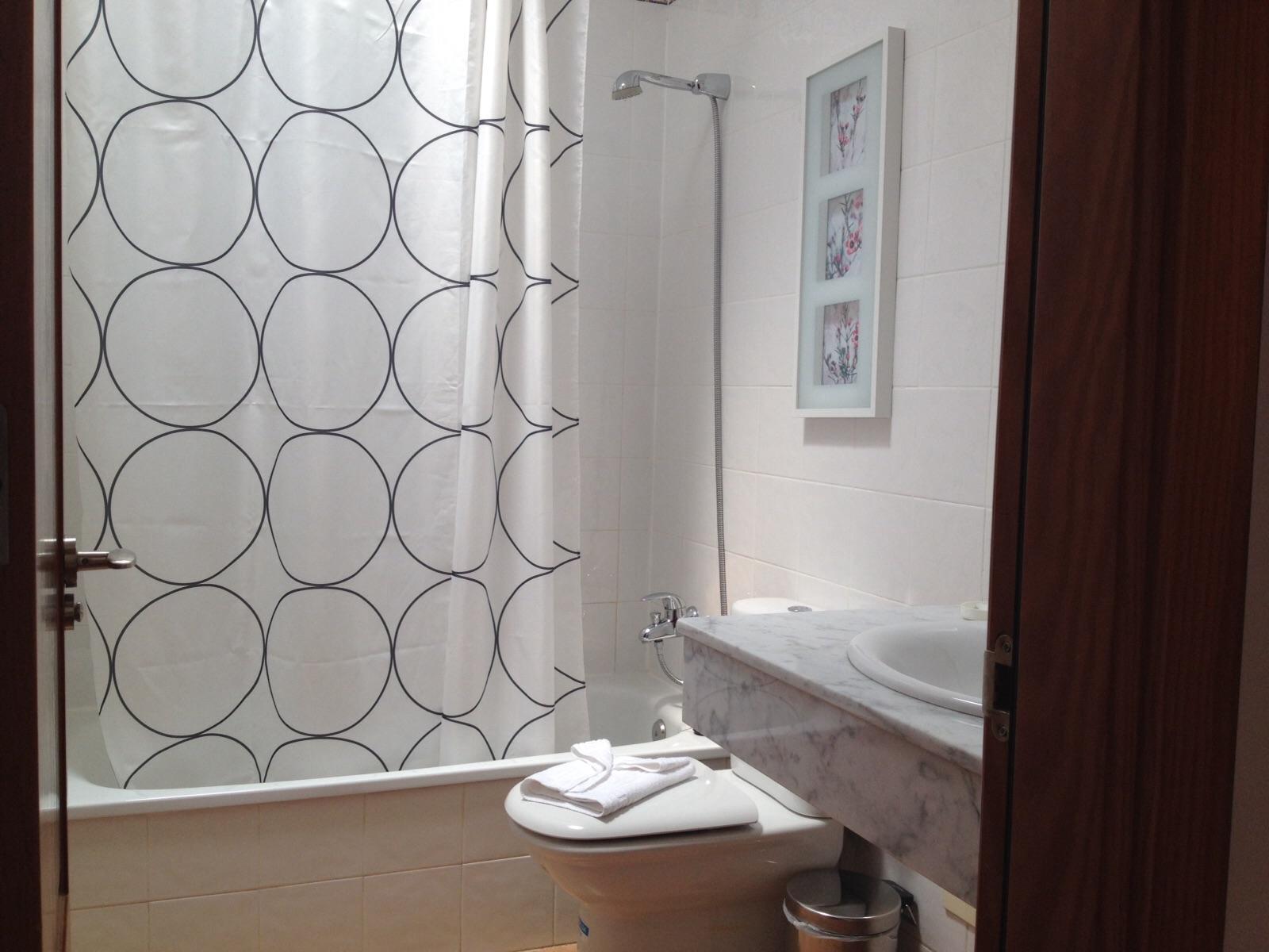 LVC247306 Bathroom