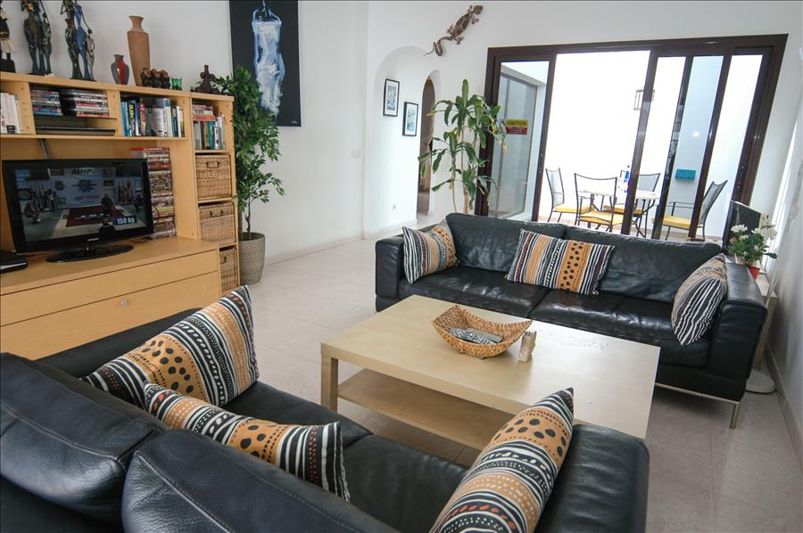LVC256111 Living area