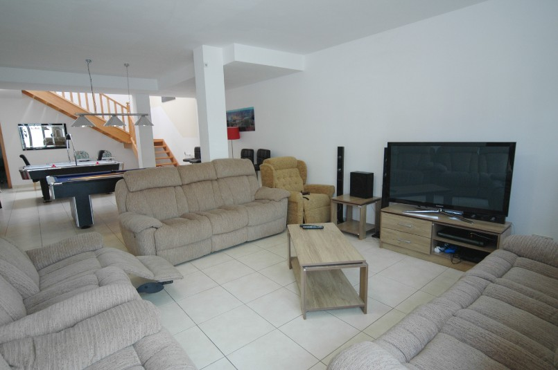 Villa LVC257974 Lounge and TV