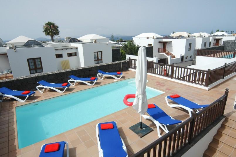 Villa LVC257974 Sunbathing around the pool