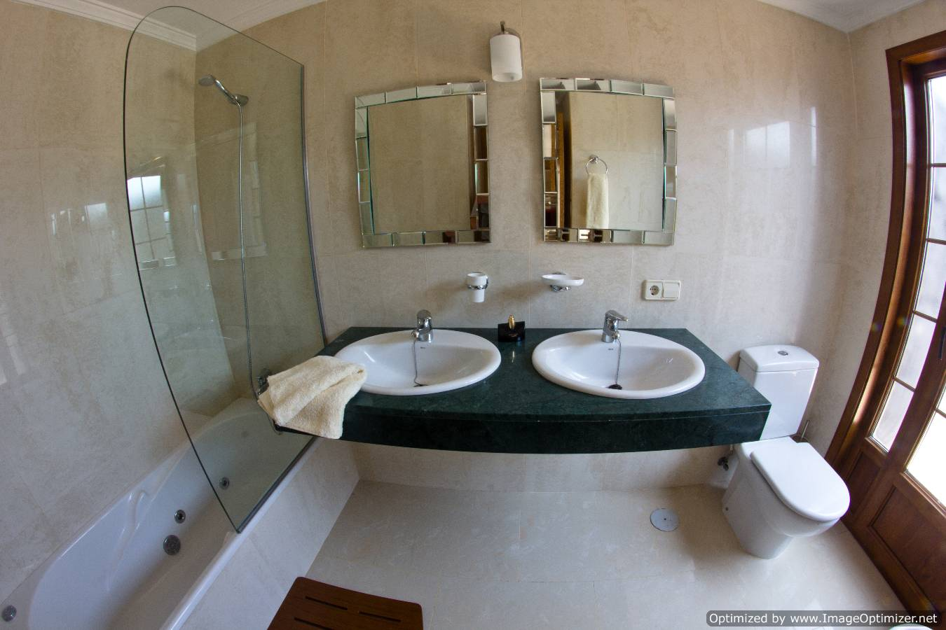 Villa LVC258776 Twin wash basins in bathroom