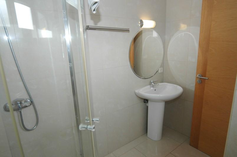 LVC261708 Bathroom with walk in shower