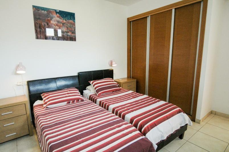 LVC261708 Twin bedroom