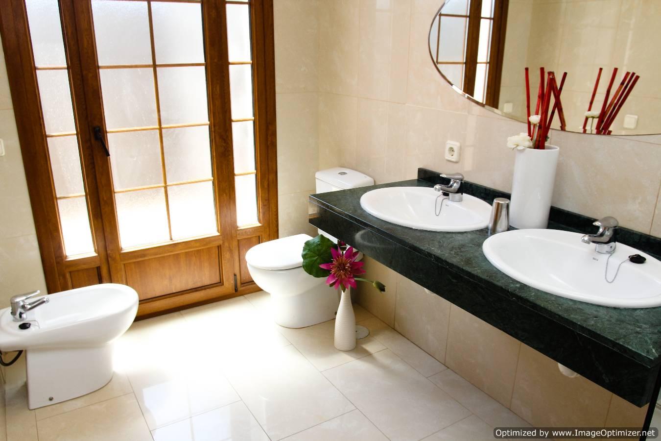 LVC261708 Bathroom
