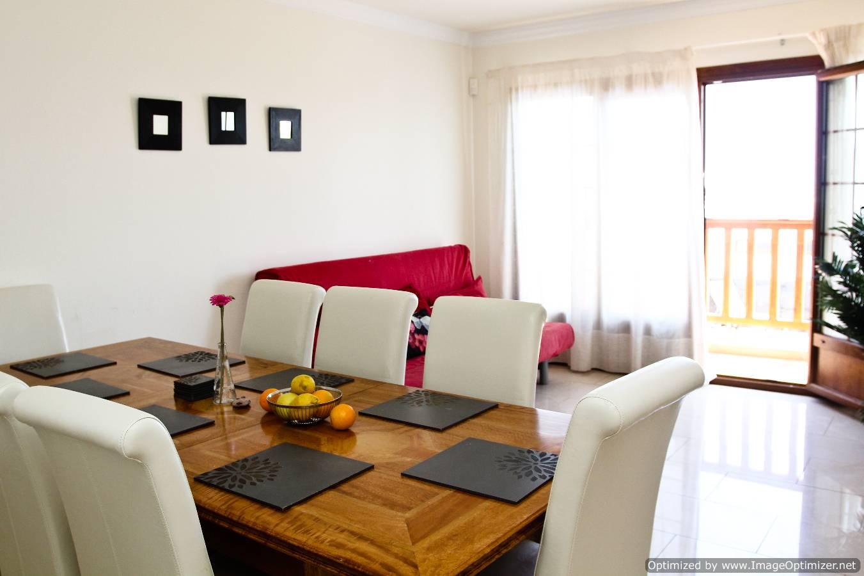 LVC261708 Dining room