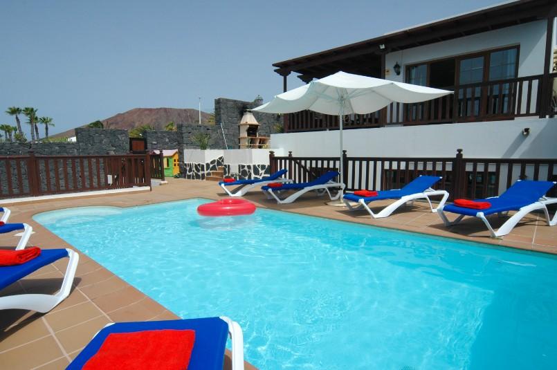 LVC261708 Swimming pool