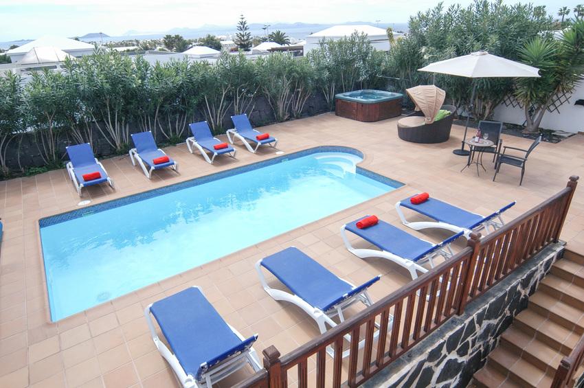 Villa LVC267899 8m x 4mswimming pool