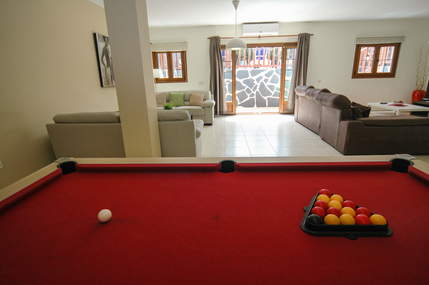 Villa LVC267899 Pool table and patio doors to terrace