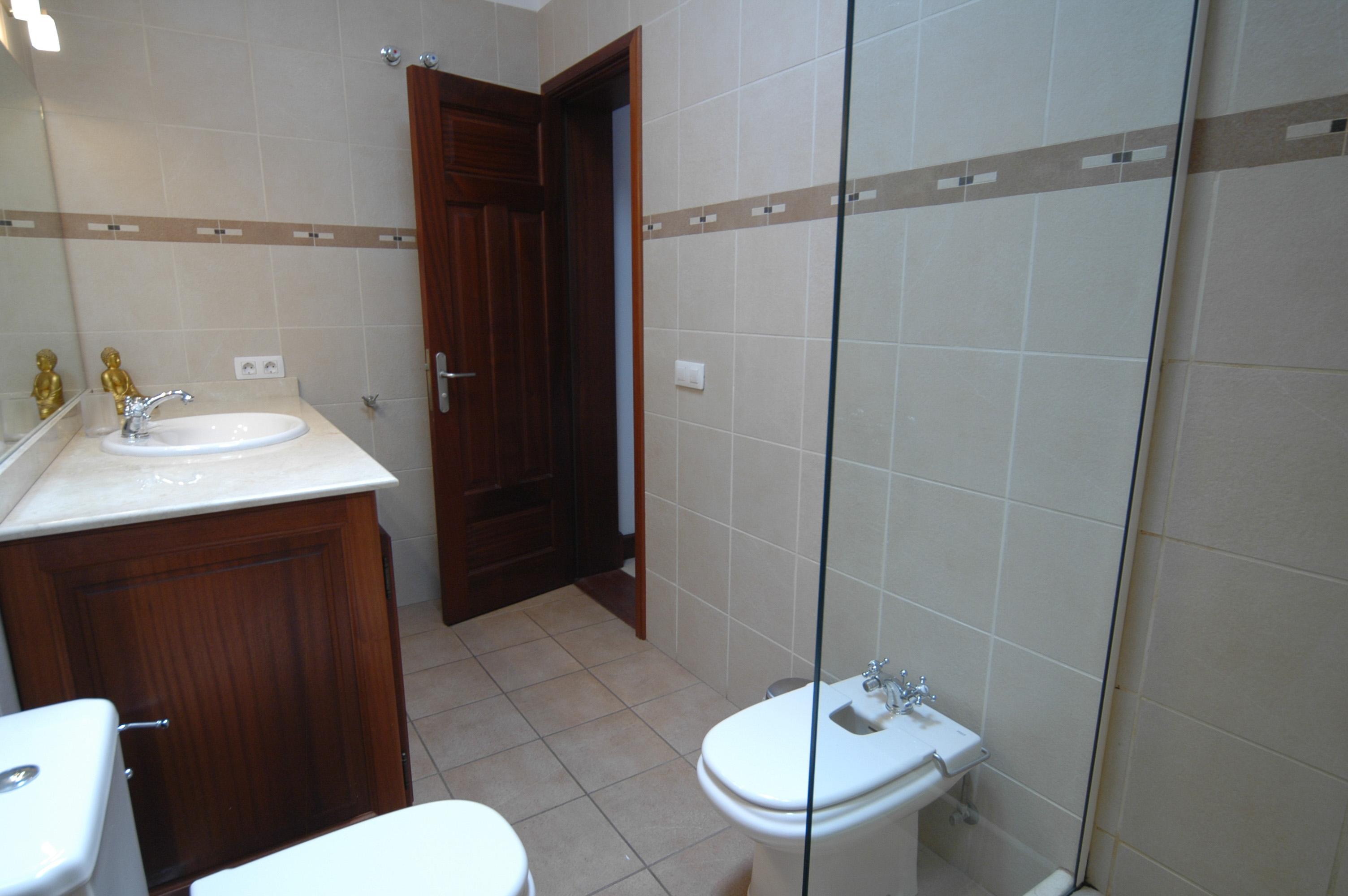 LVC268839 Bathroom