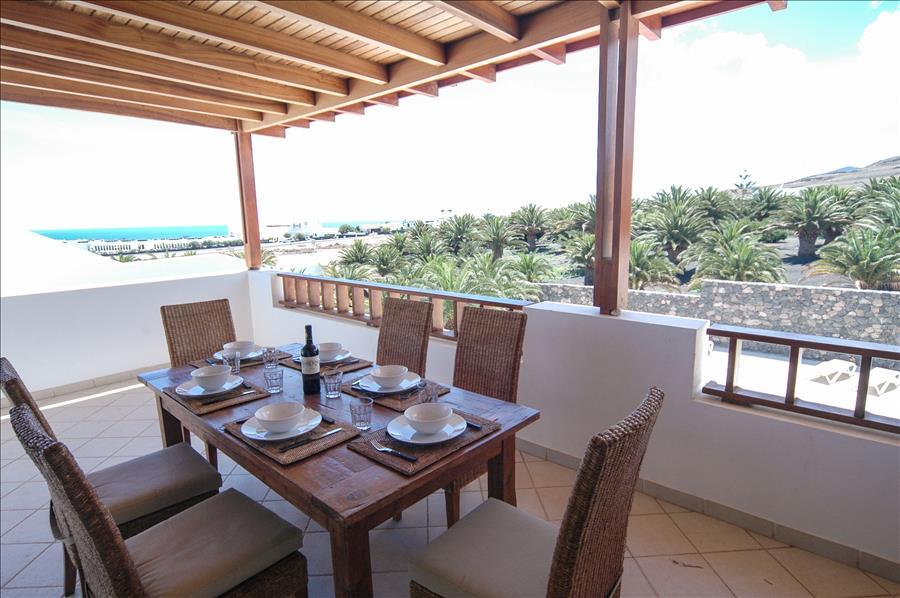 LVC268839 Balcony with views