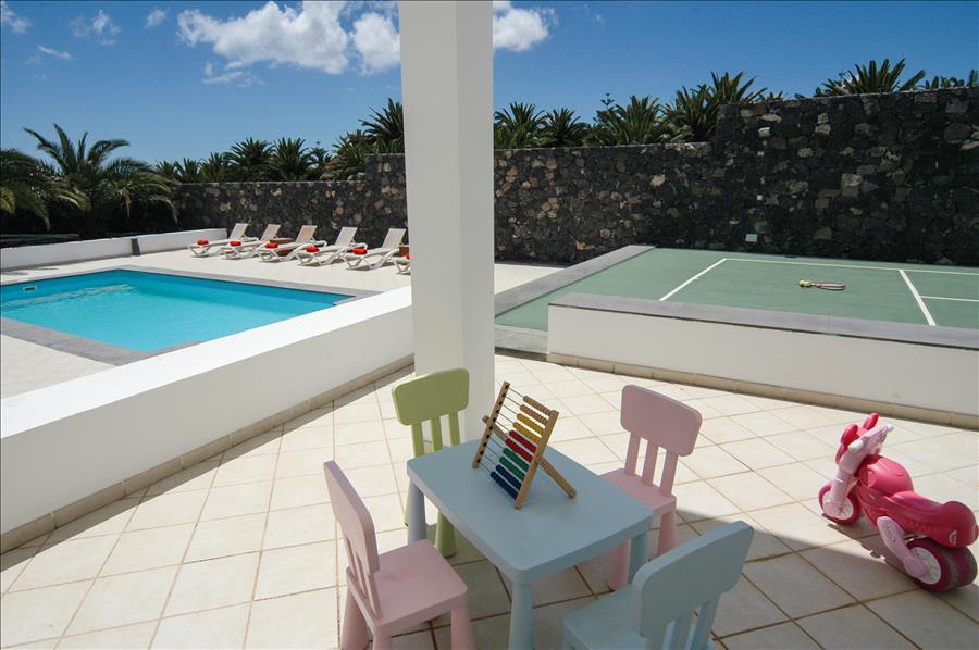 Villa LVC268839 6 bedroom villa with tennis court