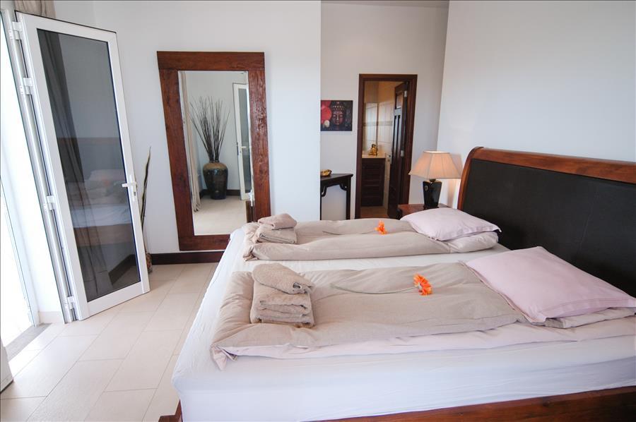 LVC268839 Bedroom with en suite