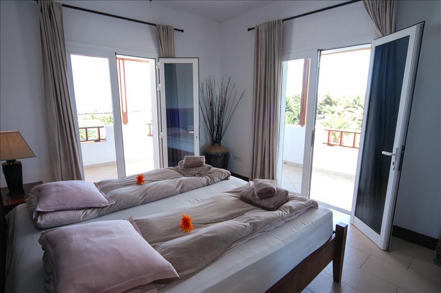 LVC268839 Bedroom