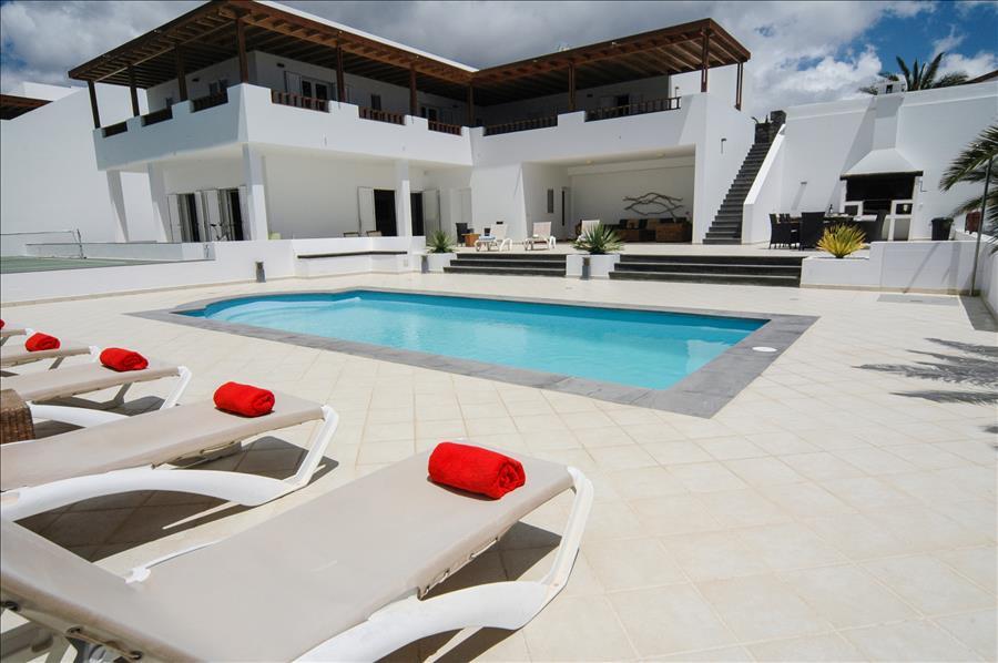 Villa LVC268839 2 storey Lanzarote villa with annex