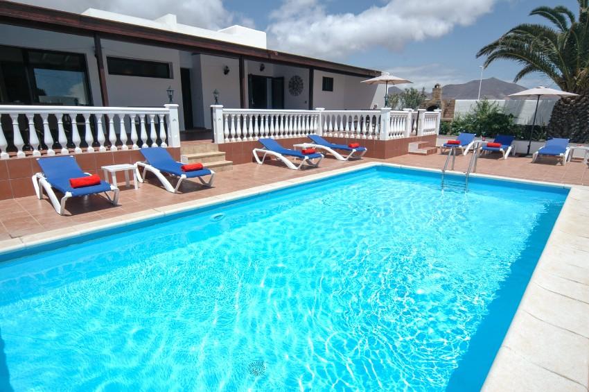 Villa LVC269311 4 bedroom Villa Playa Blanca