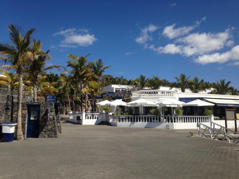 Restaurants in Puerto Calero Marina