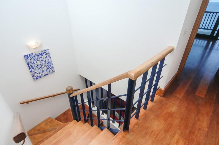 LVC274920 Stairs between floors