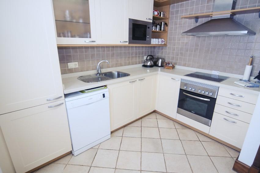 LVC274920 Separate Kitchen