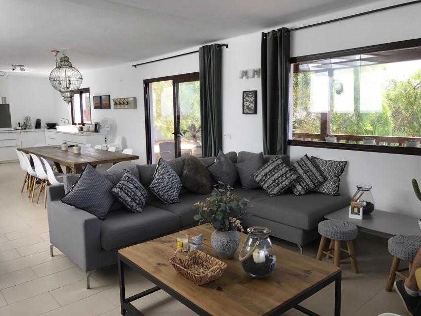 Villa LVC275611 Open plan lounge with kitchen