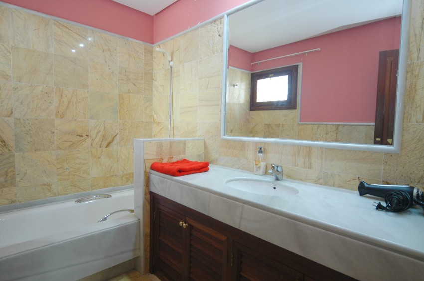 Villa LVC291370 Bathroom