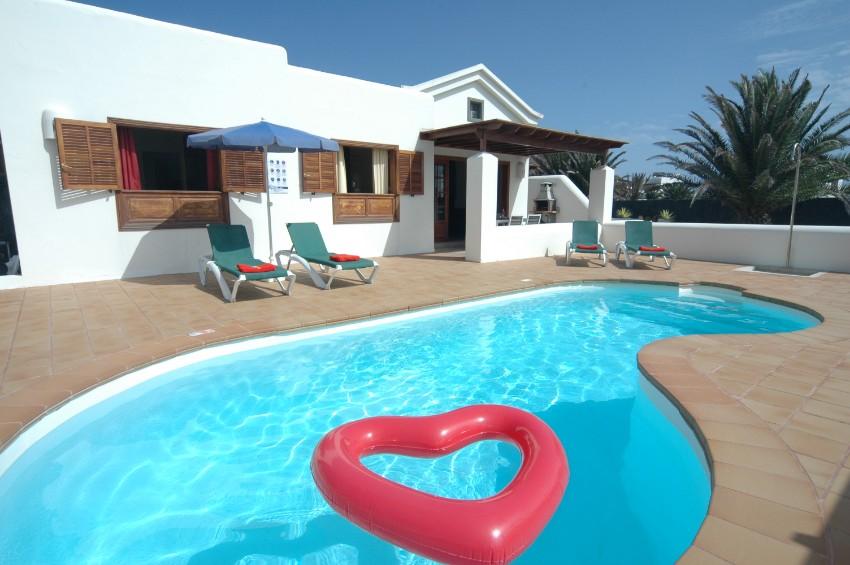 Villa LVC291370 2 bedroom villa in Playa Blanca for holiday rental