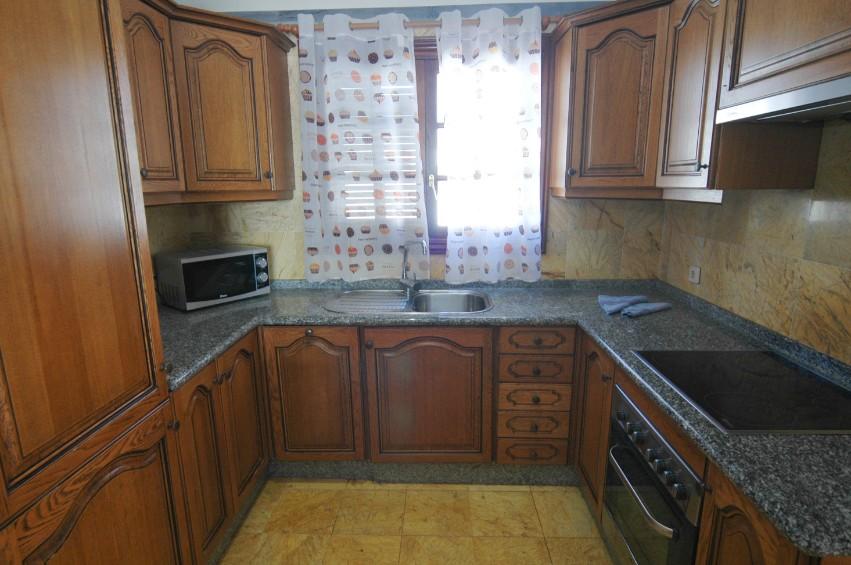 Villa LVC291370 Microwave and dishwasher