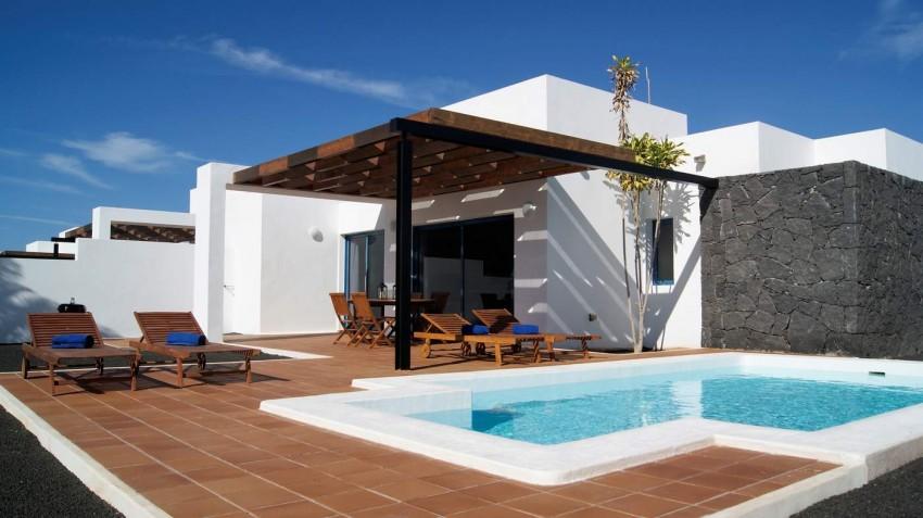 2 Bedroom Villas in Playa Blanca