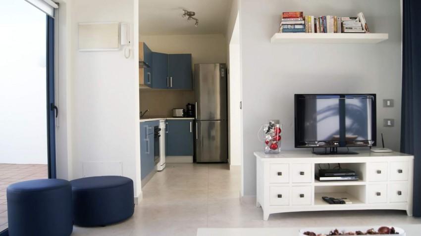 LVC292215 Lounge and kitchen