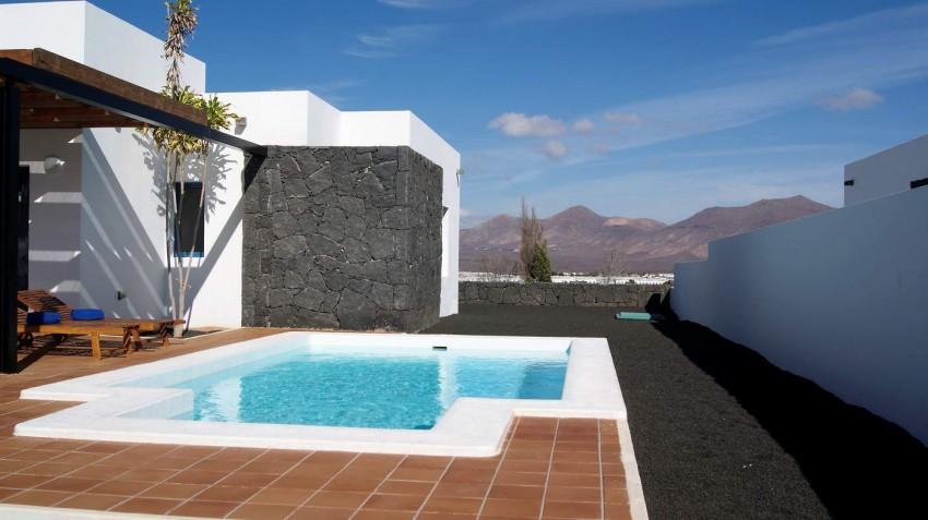 LVC292215 Some villas have mountain views
