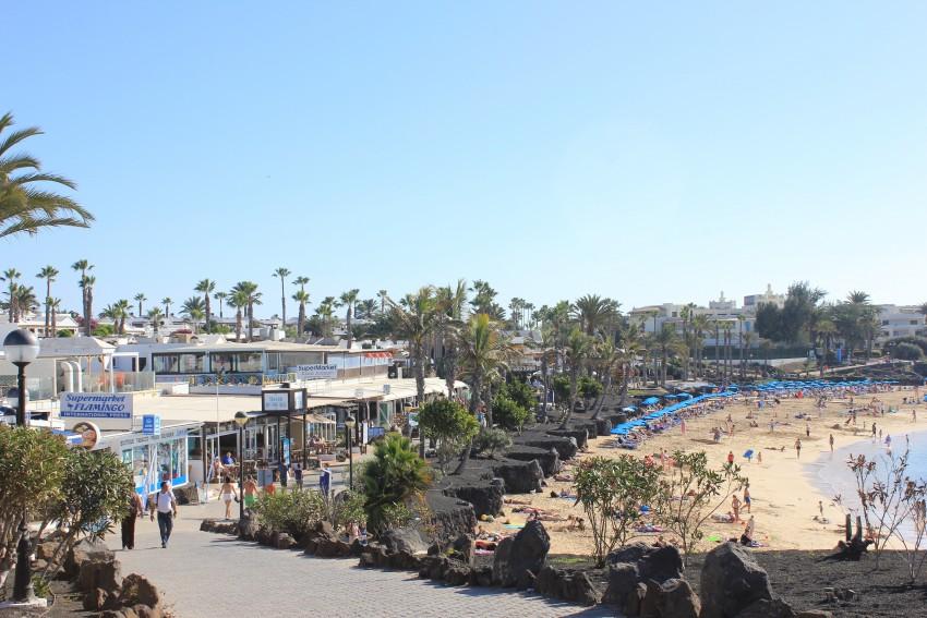 Playa Blanca coastal walks