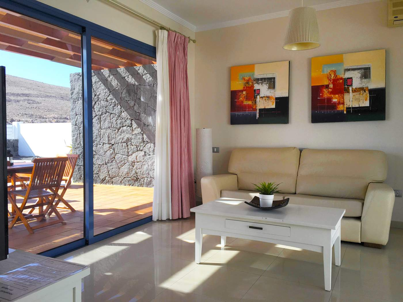 Villa LVC292246 Lounge with patio doors to terrace