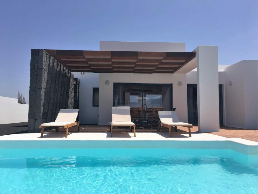 Villa LVC292275 Spacious pool terrace