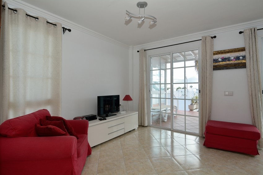 Villa LVC293098 Spacious lounge with doors to sun terrace and swimming pool