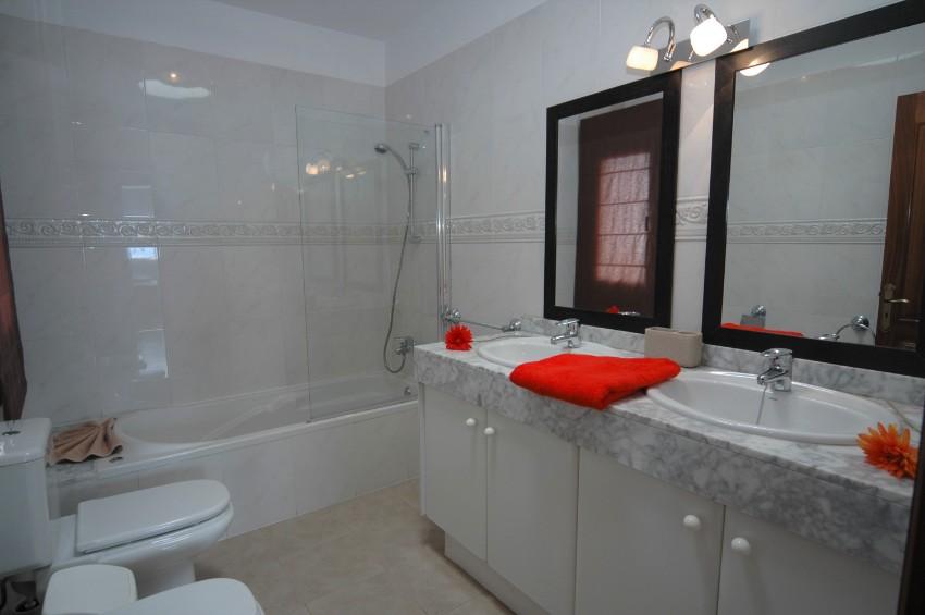 Villa LVC299791 Bathroom with full bath