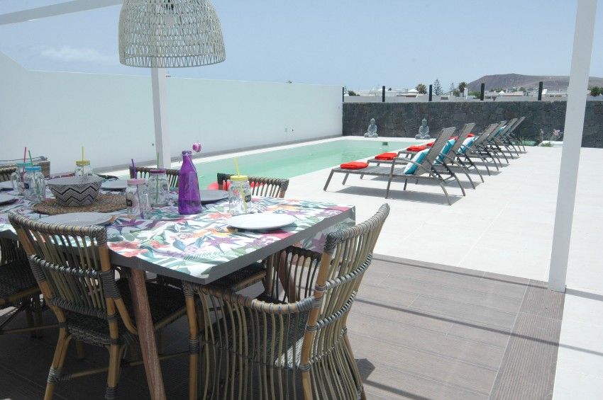 Villa LVC304465 Lounge by the pool