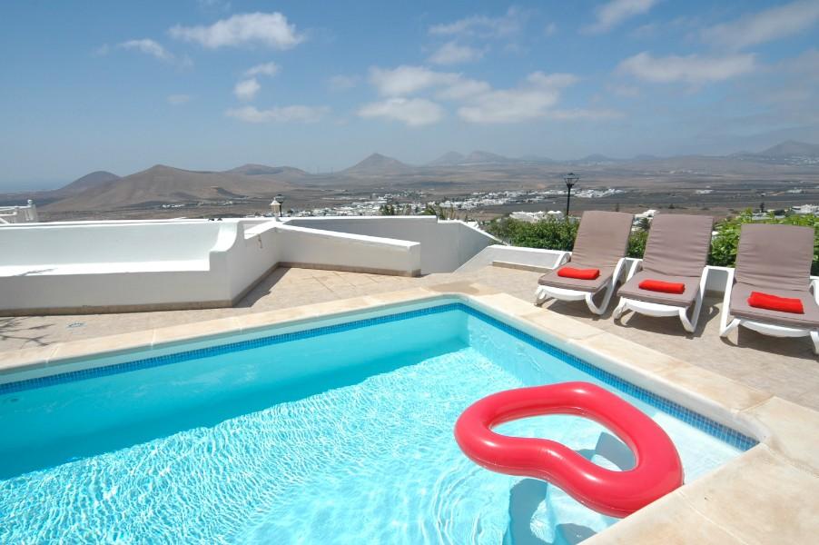 Villa LVC305465 4 bedroom villa in Lanzarote