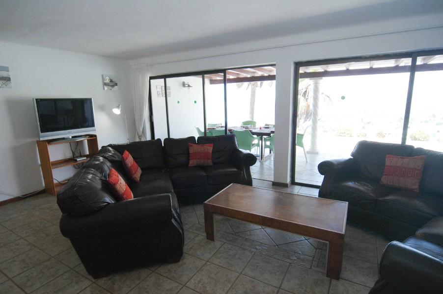 Villa LVC305465 Spacious lounge with views